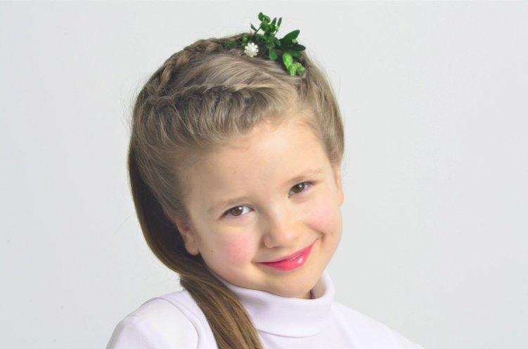 Trendy Fryzur Fryzurki Dziewczęce Komunijne Z Warkoczem
